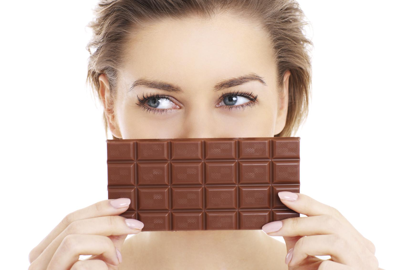 ¿El comer chocolate puede ayudarte para perder peso?